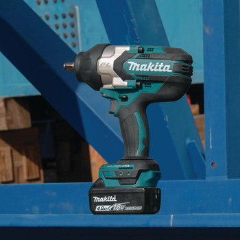 "18V LXT Lithium-Ion Brushless High Torque 3/4"" Impact Wrench Kit (XWT07M). Also available in 1/2"" and 7/16"" Hex."