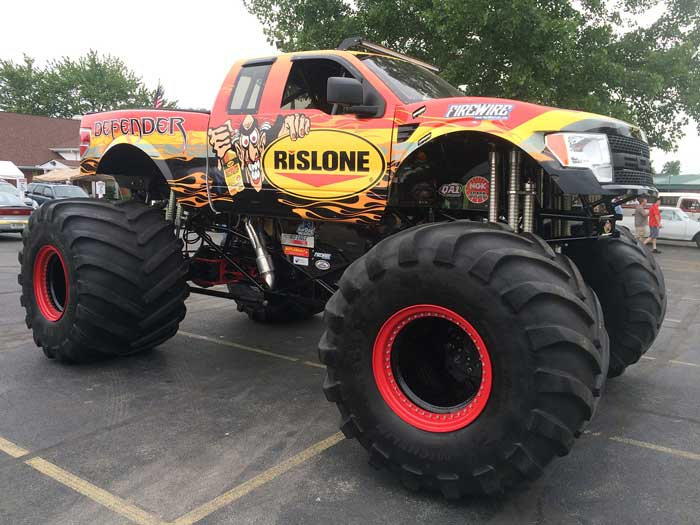 rislone-defender-monster-truck