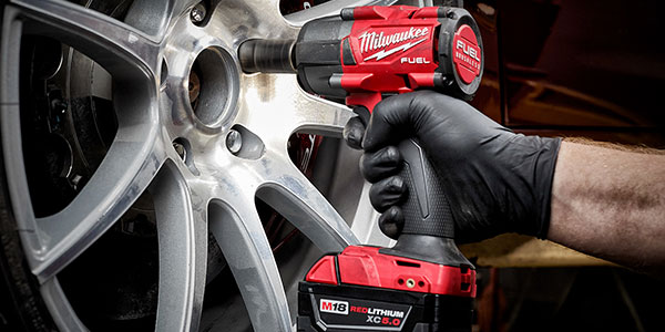 M18 FUEL Mid-Torque Impact Wrenches